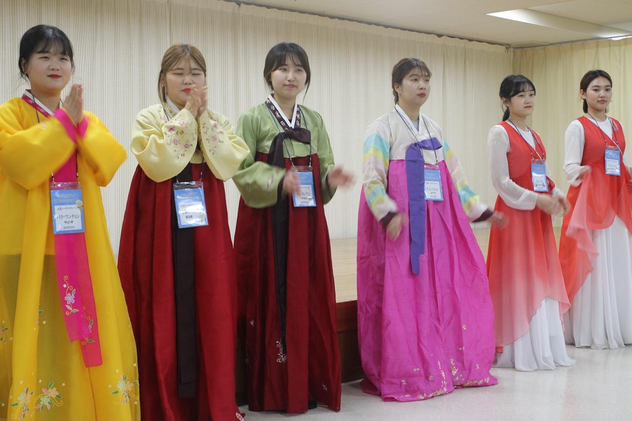 韓国大学生慰問のサムネイル画像